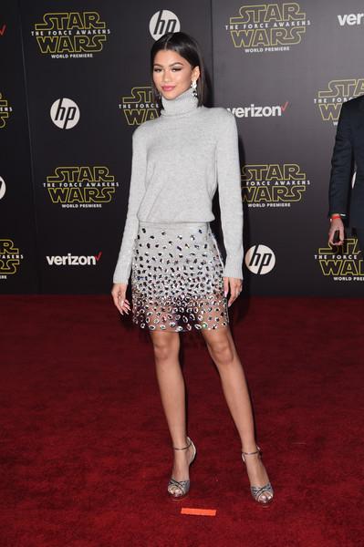 Zendaya Coleman Shows Of Bob Haircut At  Star Wars The Force Awakens Premiere 5