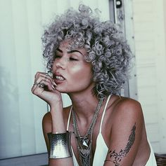25 New Grey Hair Color Combinations For Black Women 3