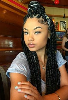 25 New Grey Hair Color Combinations For Black Women 5