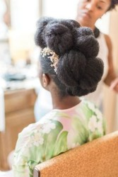 20 Natural Wedding Hairstyles for The Naturally Glam Bride 7