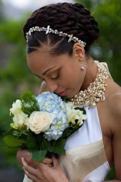 20 Natural Wedding Hairstyles for The Naturally Glam Bride