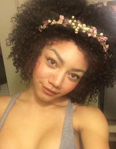 Now Trending - Floral Crowns & Natural Hair 17