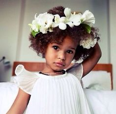 Now Trending - Floral Crowns & Natural Hair 21