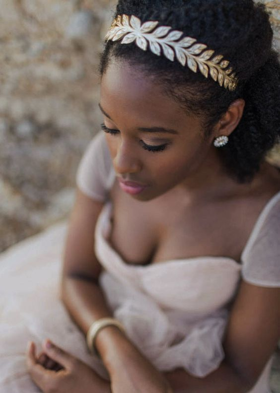 2017-wedding-hairstyles-for-natural-haired-brides-31