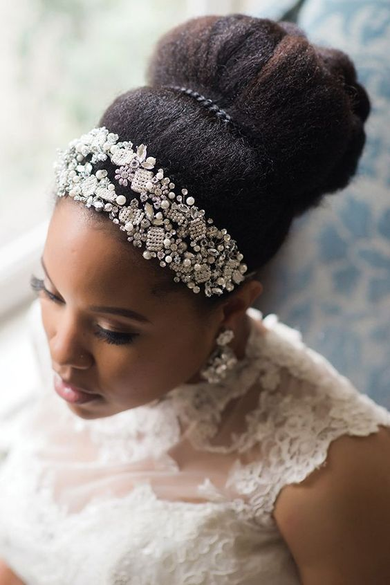2017-wedding-hairstyles-for-natural-haired-brides-41