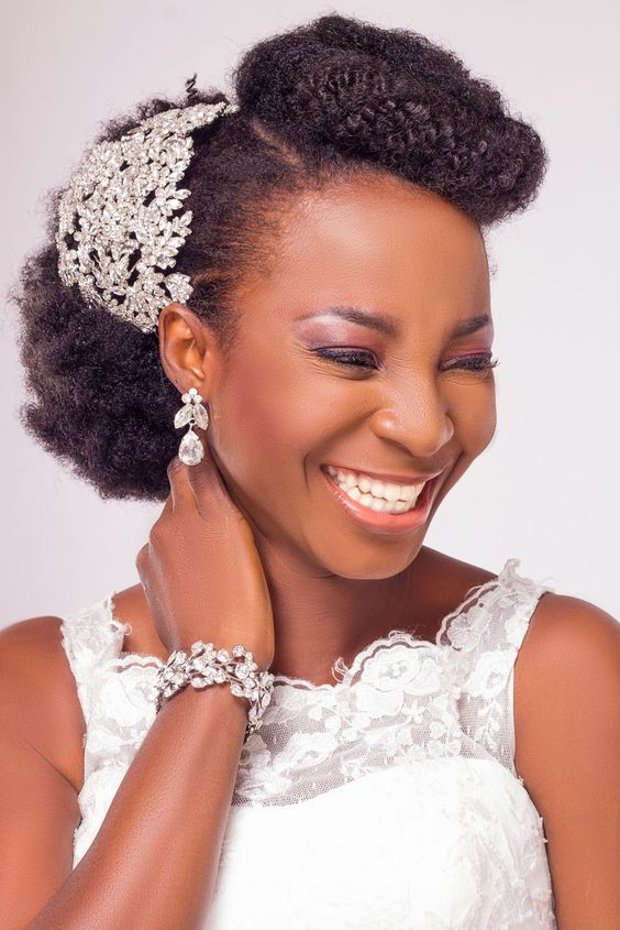 2017-wedding-hairstyles-for-natural-haired-brides-42