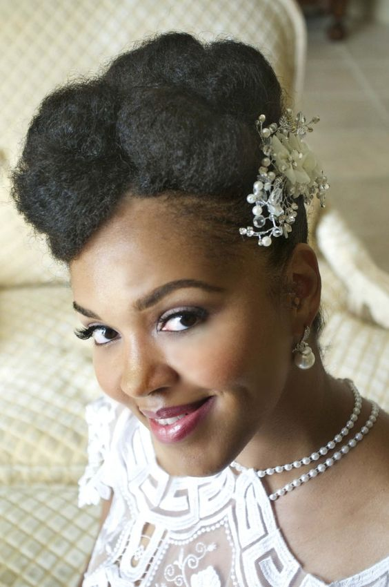 2017-wedding-hairstyles-for-natural-haired-brides-65