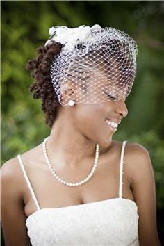2017-wedding-hairstyles-for-natural-haired-brides22